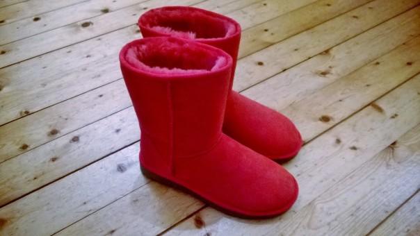 UGG Boots sangria