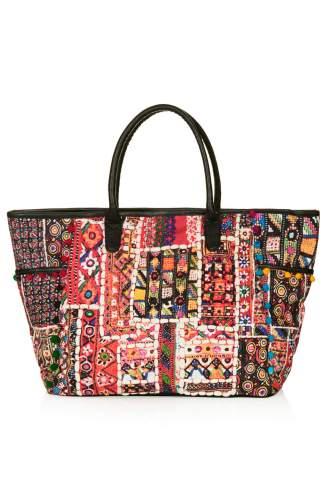 http://de.topshop.com/de/tsde/produkt/taschen-accessoires-1702232/taschen-geldb%C3%B6rsen-345376/reisetasche-mit-cuzco-print-3005523?bi=21&ps=20