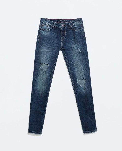 http://www.zara.com/de/de/damen/jeans/denimhose-medium-rise-mit-rissen-c271007p2158030.html