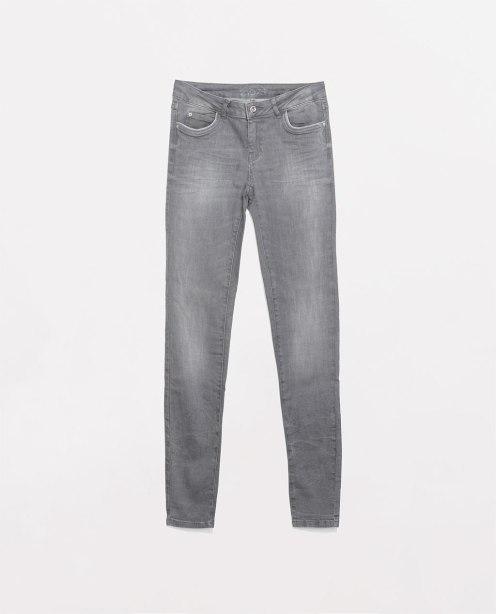 http://www.zara.com/de/de/damen/jeans/jeans-medium-rise-c271007p1984662.html