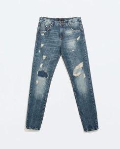 http://www.zara.com/de/de/trf/jeans/boyfriend-jeans-mit-rissen-c271018p2299511.html