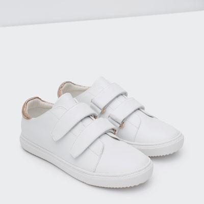 http://www.zara.com/de/de/damen/schuhe/turnschuhe/sneaker-mit-verzierung-c765518p2774552.html