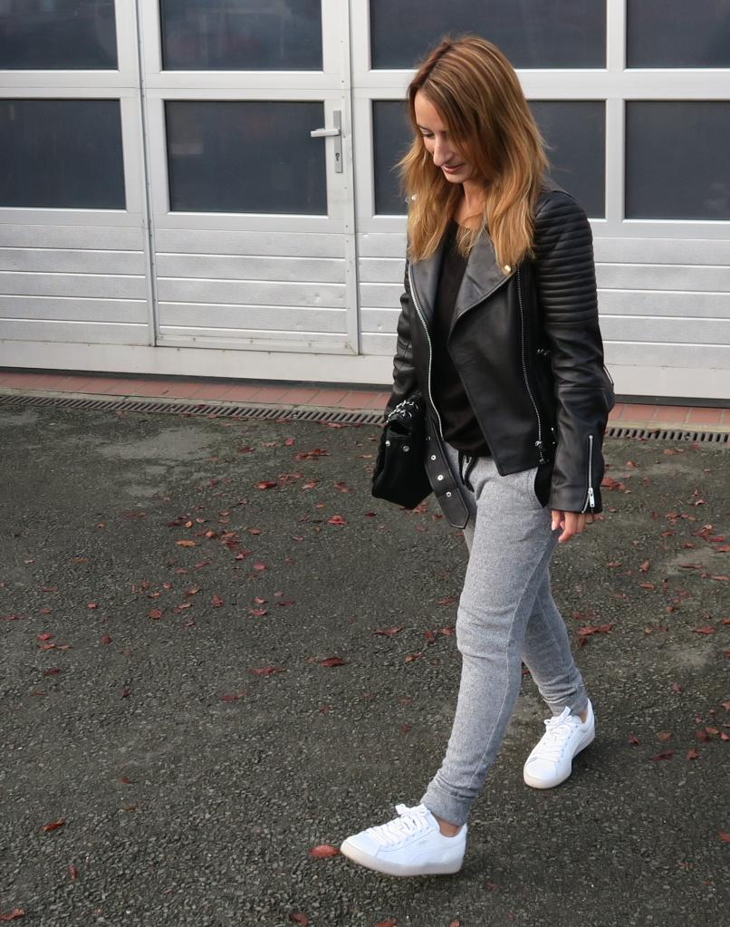 Blogger 12